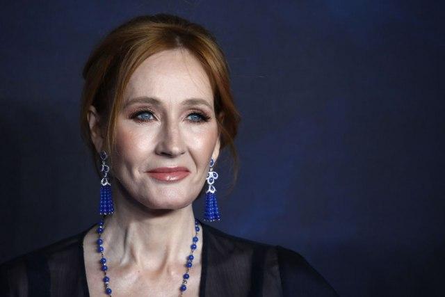 Spisateljica podgrejala glasine: Da li se to sprema još jedan film o Hariju Poteru?