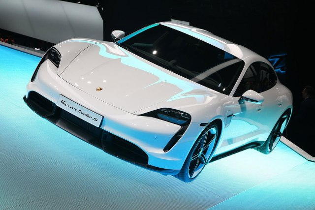 Porsche Taycan (Foto: Newspress)