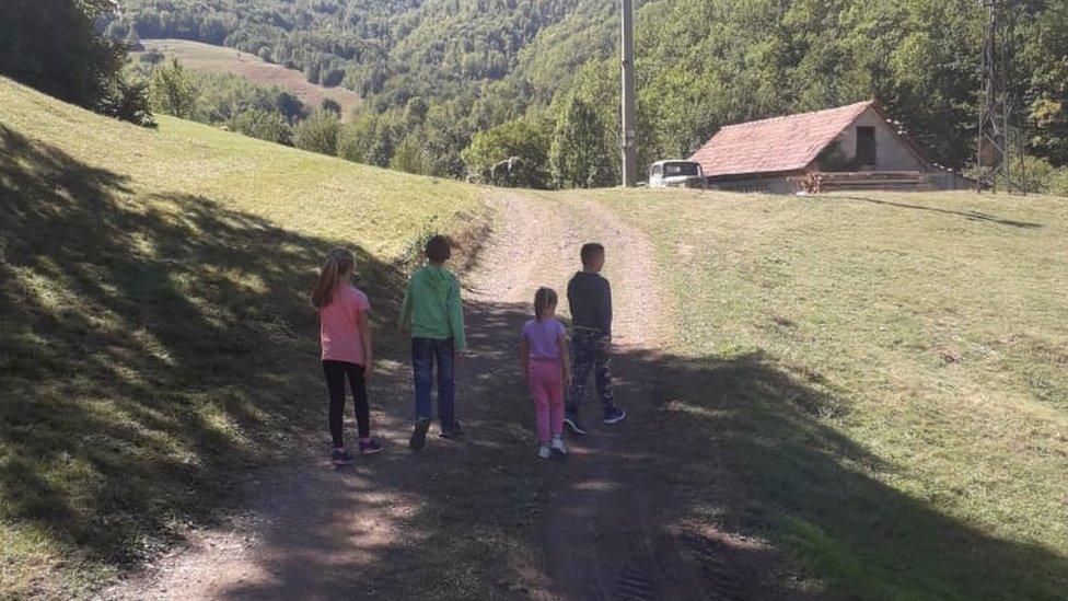 Deci na selu najviše nedostaju drugari, kaže učiteljica Čokić./Emina Redžović Čokić