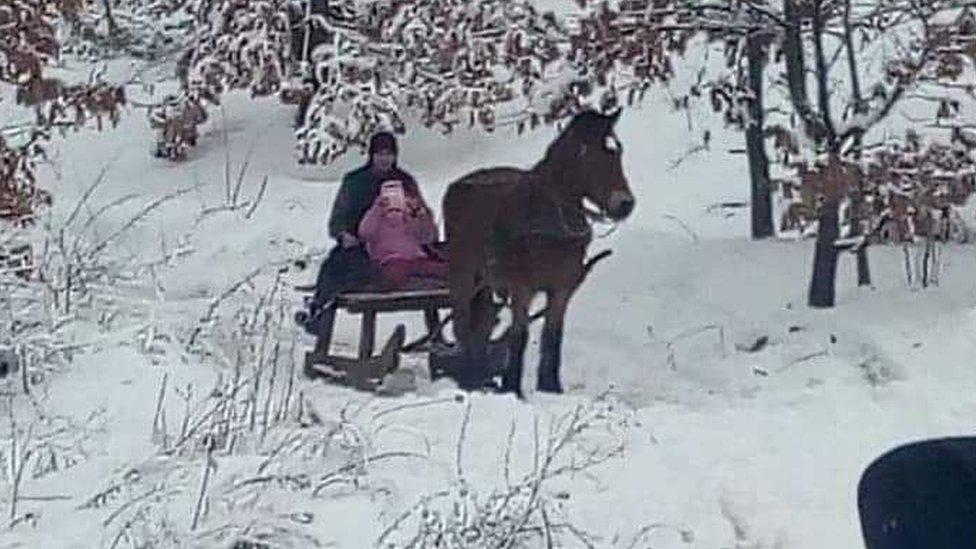 Može i po snegu da se ide u školu/Marko Čikarić