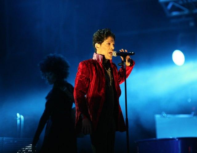 """Poslušajte do sada neobjavljenu Princeova pesma """"I Feel For You"""""""
