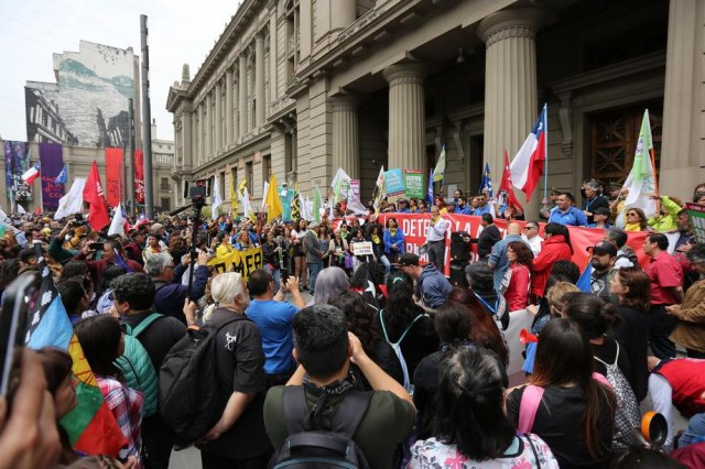 Tri nedelje protesta: Predsednik Čilea se sprema da ispuni jedan od zahteva