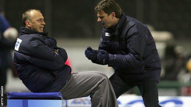 Gec (desno) je trenirao prvi tim Herte od 2004. do 2007./Getty Images