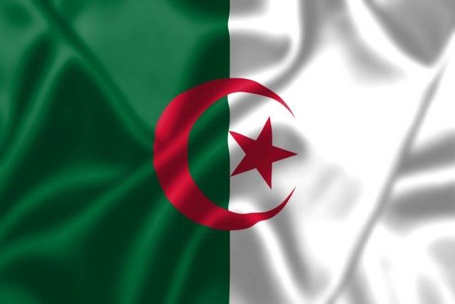 U Alžiru pet kandidata za predsedničke izbore u decembru