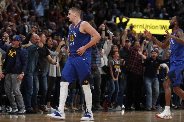 НБА: Јокиќ и Богдановиќ со звукот на сирената, трипл-дабл за Дончиќ (Видео)