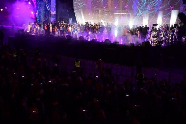 Zabava na godišnjicu pada Berlinskog zida, muzika i vatromet FOTO