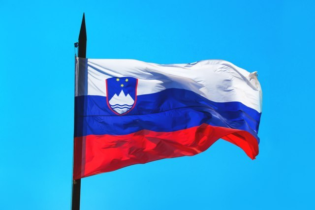 Bivša diplomatkinja najavila tužbu protiv slovenačkog parlameta