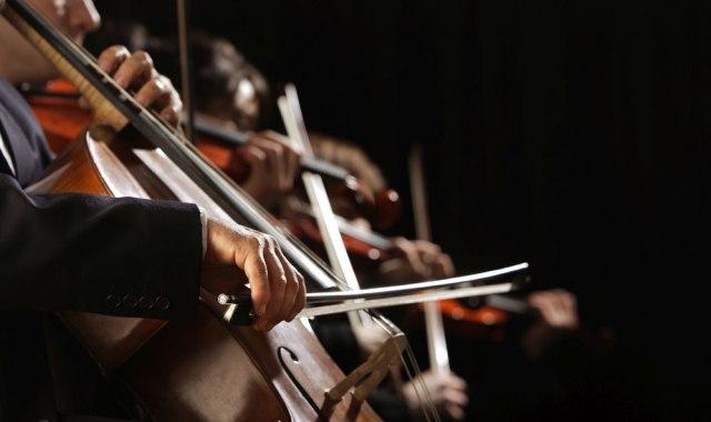 Monumentalni koncert Beogradske filharmonije sa Felcom