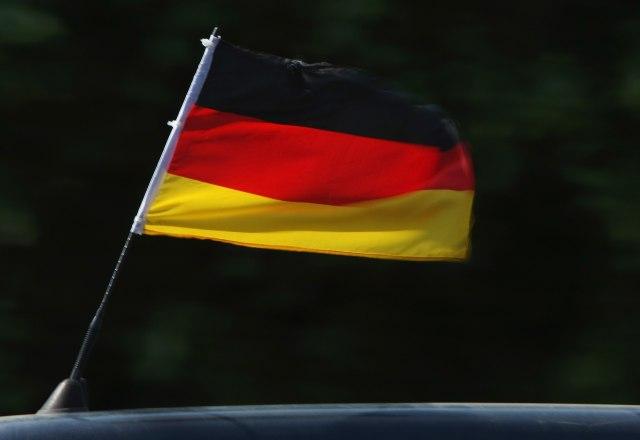 Nemačkom policajcu preti otkaz zbog Hitlerovog dvojnika VIDEO