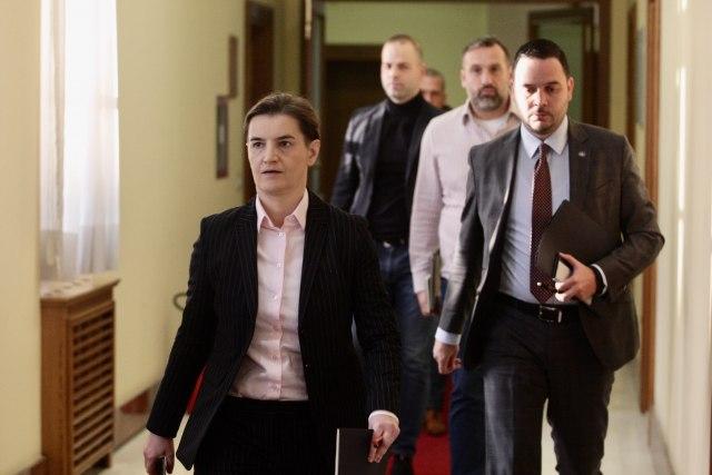 Brnabićeva posle hitnog sastanka: Nema mesta panici