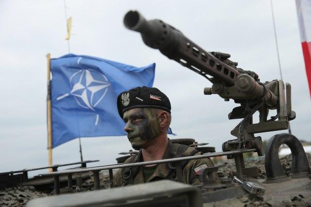 """Švedska priznala grešku: Lažni oficir bio u NATO i na Kosovo; """"Bezbednosni rizik"""""""