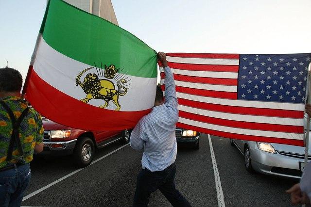 SAD odložile uvođenje sankcija Iranu