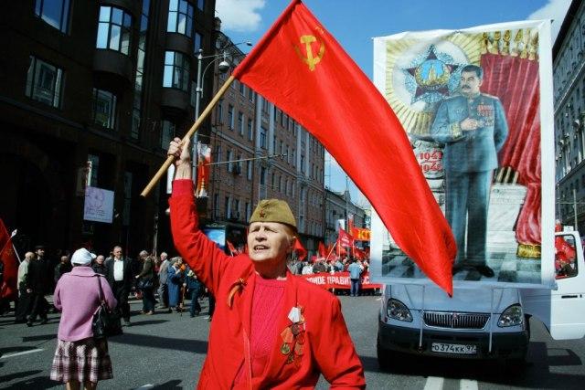 Lenjin se prevrće u grobu: Komunisti podržavaju uključivanje Boga u Ustav