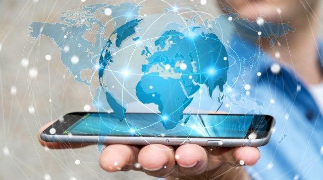 ANKETA B92: Koji mobilni telefon je najbolji?