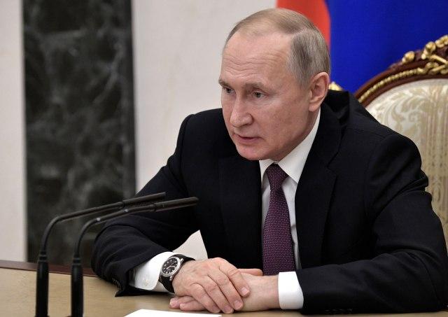 Putin: Važno proveriti svako slovo i zarez