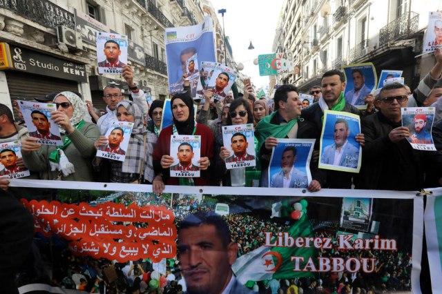 """U Alžiru nastavak protesta - """"Civilna, a ne vojna vlast"""""""