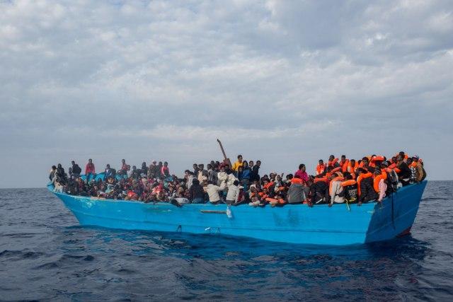 Spaseno 86 migranata, među njima i beba rođena na otvorenom moru