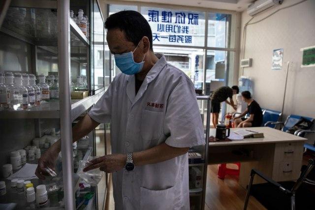 Preko 25 hiljada medicinskih radnika poslato u Hubej