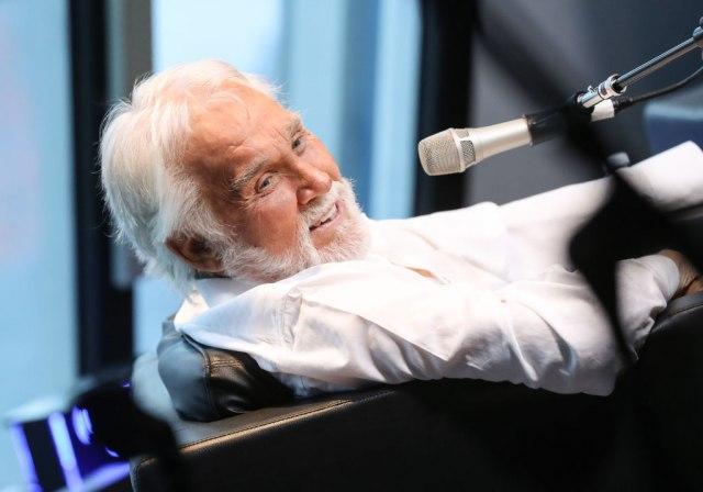 Preminuo Keni Rodžers, jedan od najuticajnijih kantri pevača ikada