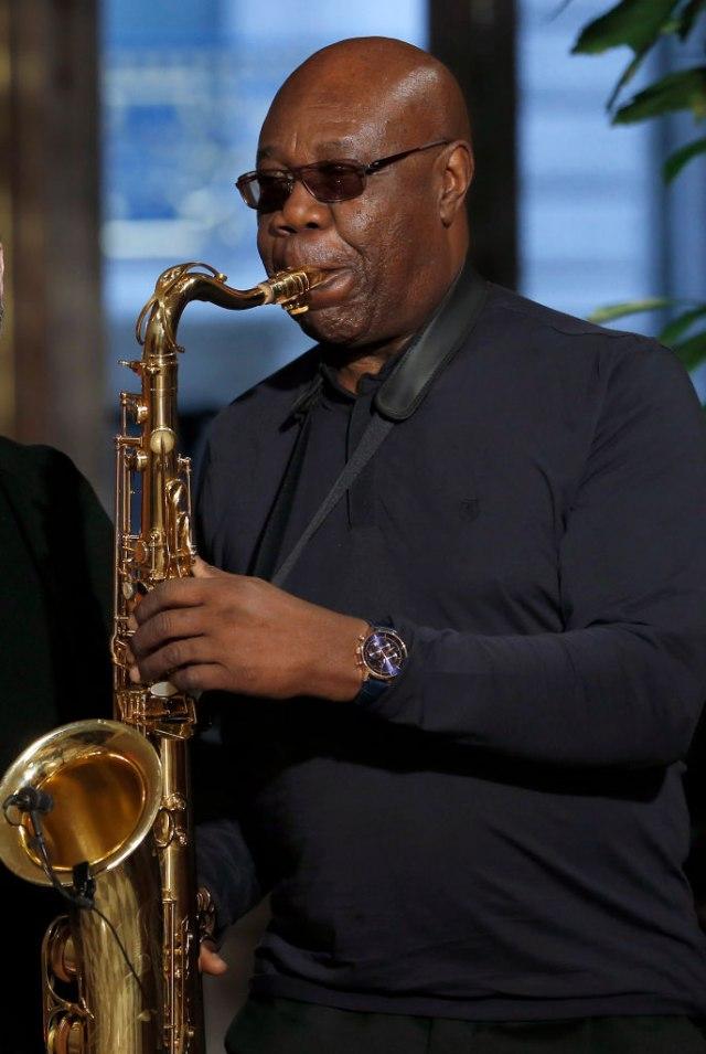 Saksofonista i pevač Manu Dibango umro od korona virusa