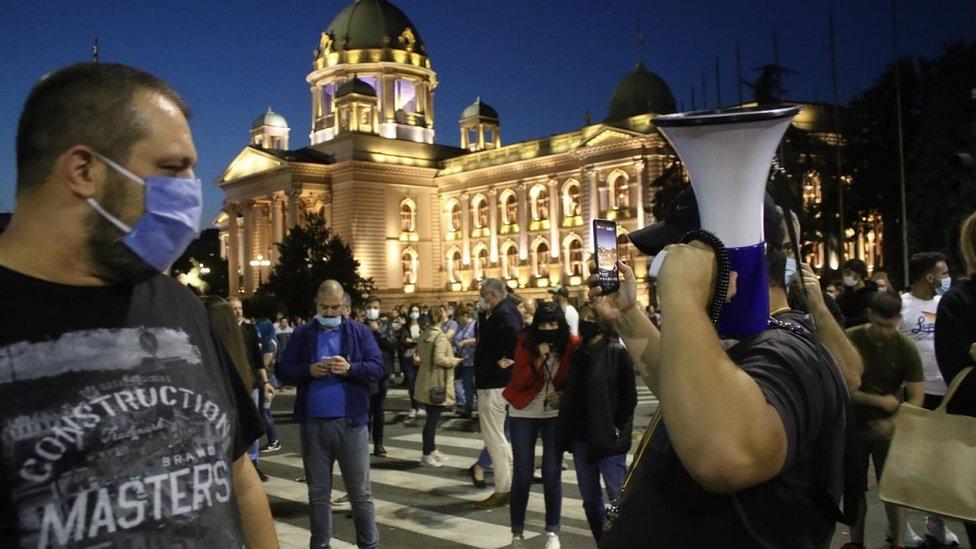 Predsednik Srbije Aleksandar Vučić je najavio da će policijski čas važiti od petka do ponedeljka/FOnet