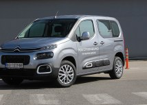 Citroen Berlingo Business BlueHDi: zapremina 1499 ccm; snaga 75 kW (102 KS) pri 3500 o/min; maks. o. mom. 250 Nm pri 1750 o/min