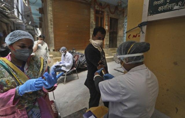 Više od 2 miliona zaraženih samo u jednoj zemlji - Indiji
