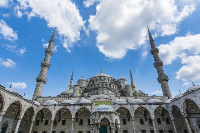 Ejup džamija, gde je sahranjen Mehmed paša Sokolović. Foto: depositphotos/Alicobanoglu