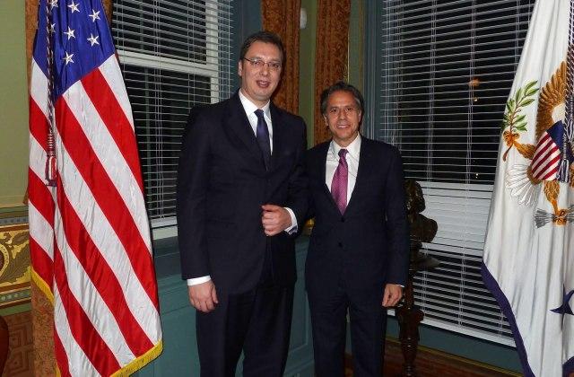 ŠEF AMERIČKE DIPLOMATIJE PISAO VUČIĆU PA SVOJERUČNO DODAO POSEBNU PORUKU! 'USA i Srbija su bili snažni partneri i saveznici u oba svjetska rata, sjećam se naših dobrih razgovora i radujem se njihovom obnavljanju'