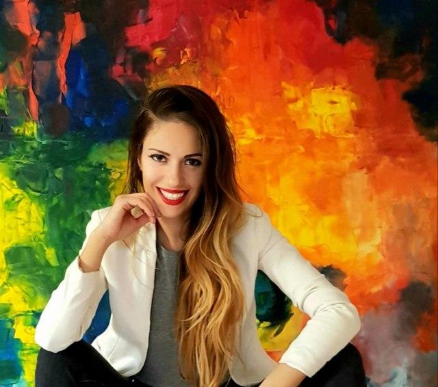 "Ivana Strufarević: ""Mnogo ljudi mi je i pisalo da moja umetnost na njih deluje kao lek"""