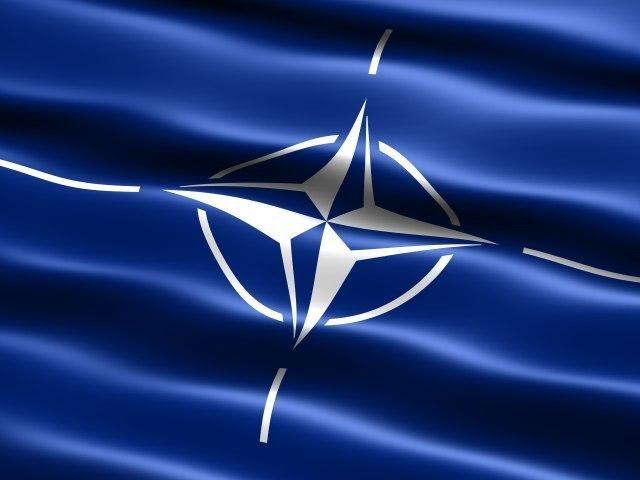NATO zahteva od Albannaca: Fajzer za vojsku