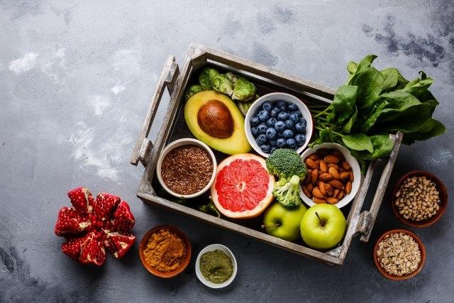 greške u ishrani Foto:Shutterstock/Natalia Lisovskaya