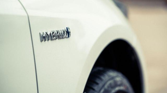 Predviđali da će 2020. svi novi automobili imati hibridni pogon. Zašto su omanuli?