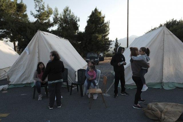 Besana noć na Kritu; Rano jutros novi snažan zemljotres