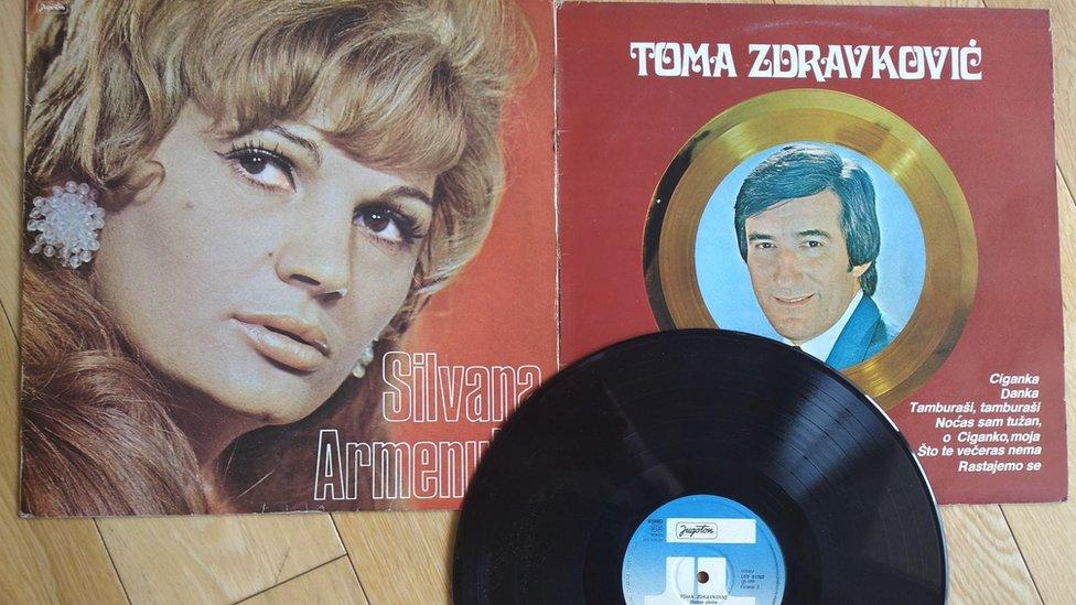 Ploče Silvane Armenulić i Tome Zdravkovića/BBC/Sandra Maksimovic