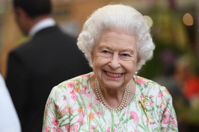 """Kraljica Elizabeta bila u bolnici na """"preliminarnoj istrazi"""""""