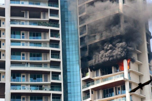 Požar u luksuznom neboderu u Indiji, ima žrtava