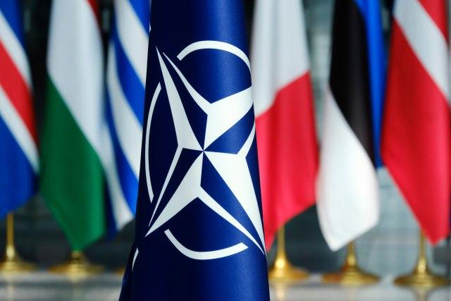 """Severna Makedonija """"pod kišobranom"""" NATO"""